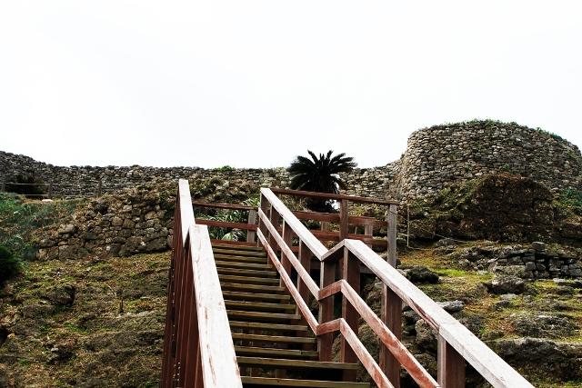 Gushikawa Castle Stairs